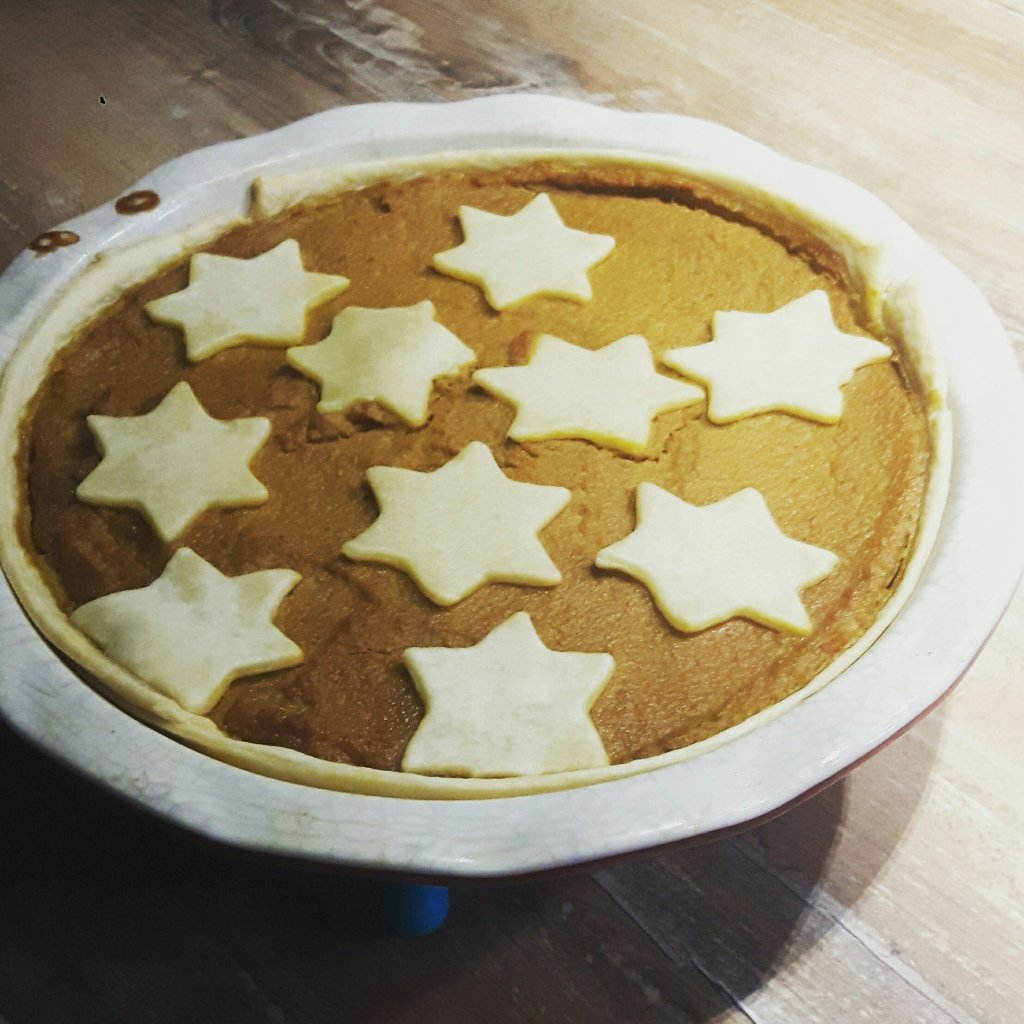 Low sugar pumpkin pie  healthy thanksgiving recipe