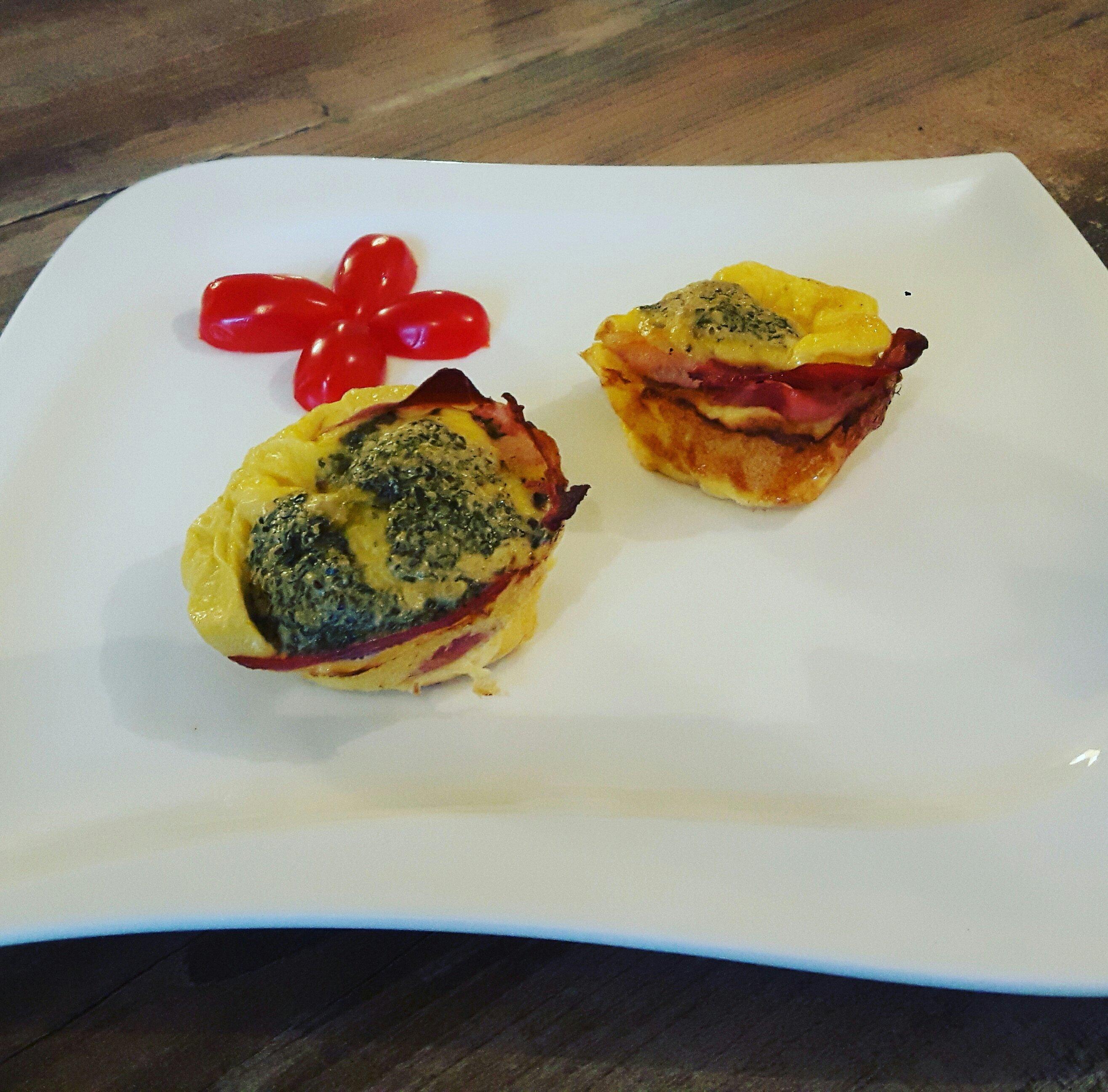Bacon & Egg Breakfast Muffins recipe