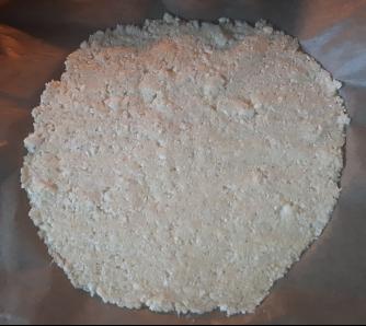 2018_03_cauliflower_pizza_crust