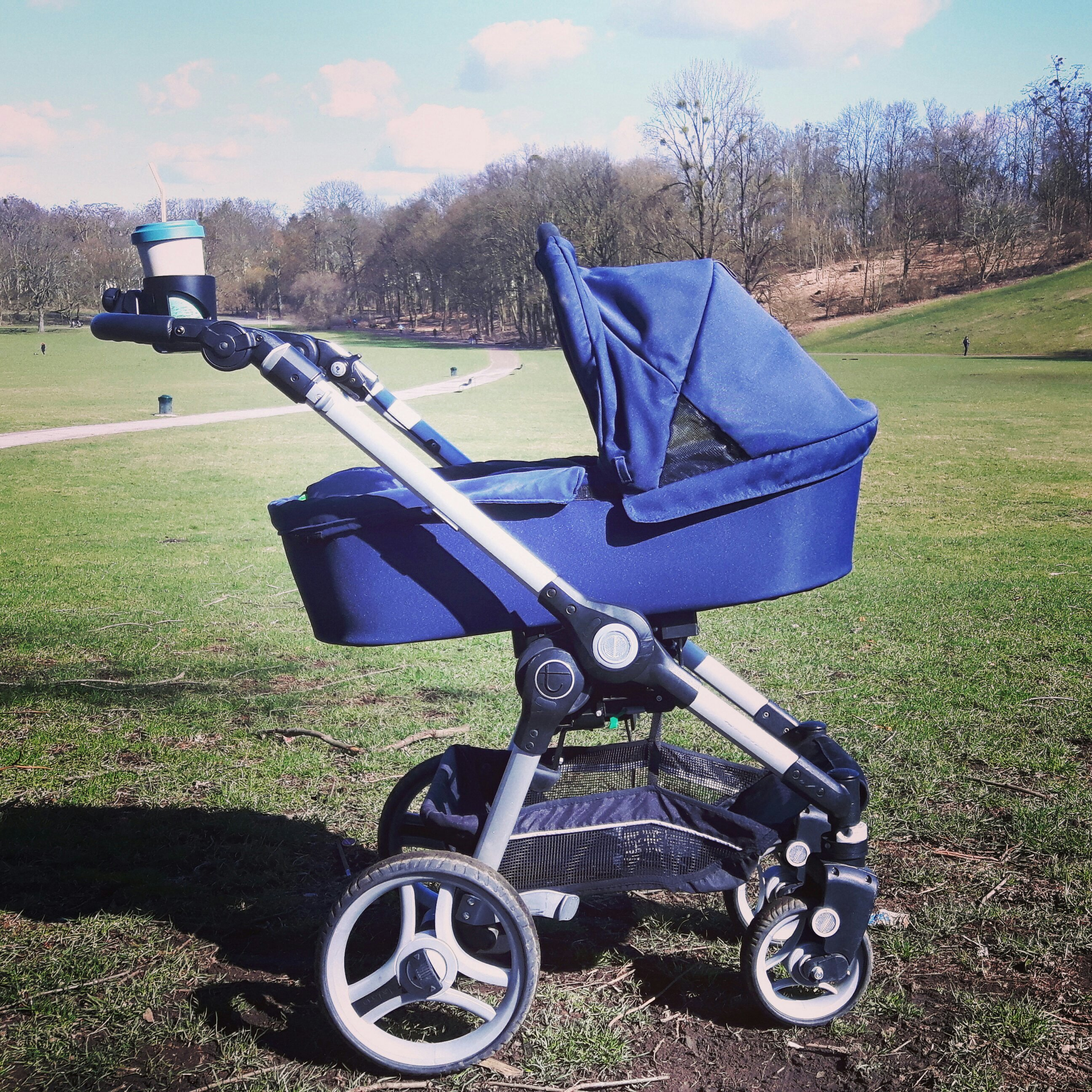 Getting mobile with your baby – strollers and child car seats guide