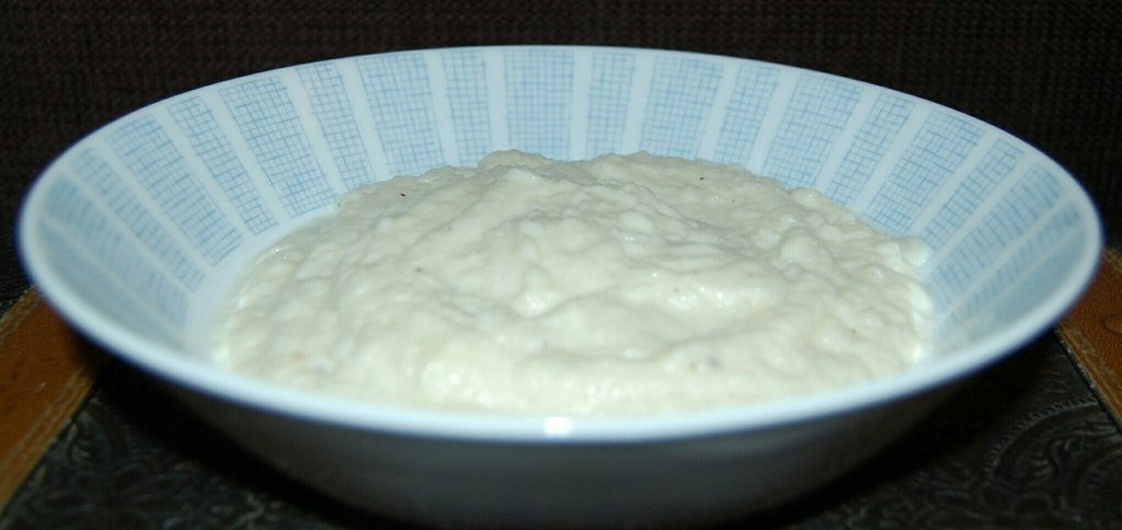 Low carb creamy cauiflower mash healthy thanksgiving recipe