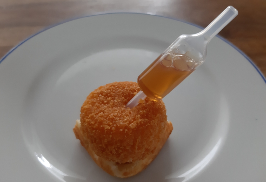 Chicken and waffle bites with maple syrup recipe camenbert