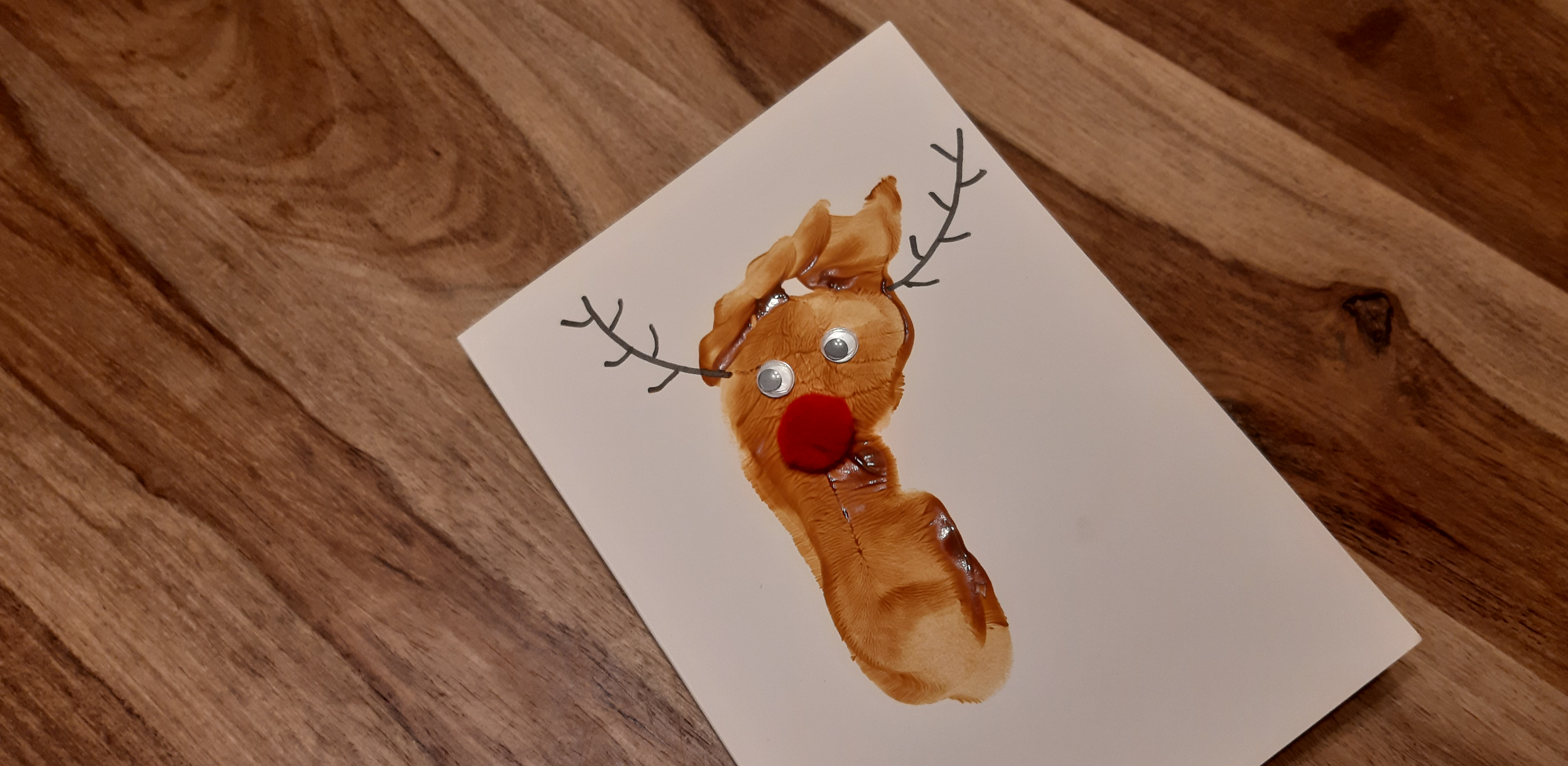 Reindeer christmas cards with baby feet