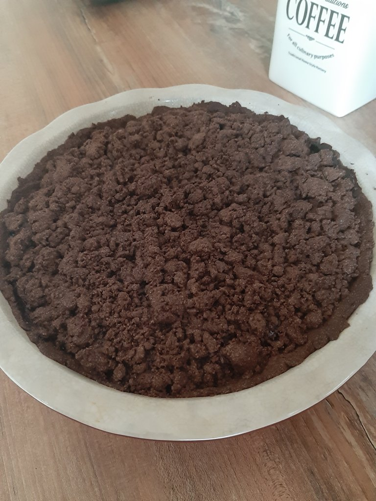 Recipe for chocolate crumble cherry pie